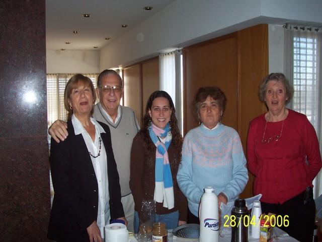 2007-04-28. ASAMBLEA EL TREBOL. Refrigerio.