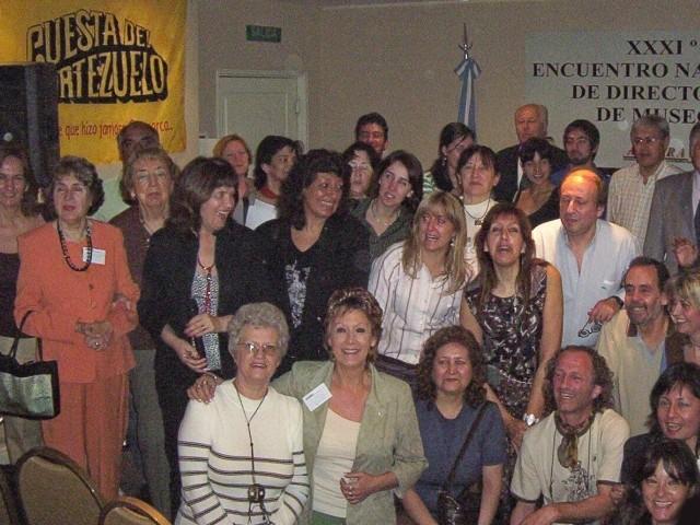 2007-09-07. XXXI ENCUENTRO DE ADIMRA. CATAMARCA. Participantes al cierre de las jornadas.