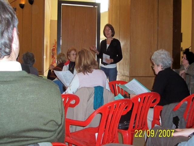 2007-09-22. REUNION CONSEJO DIRECTIVO. CASILDA. Hortensi Rivas y parte de los concurrentes.