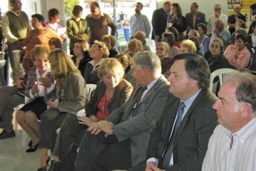 """2008.07.05 - PRESENTACION LIBRO: """"Memoria Oral de Moisés Ville"""".  Angeletti (Pte. Comunal), Michlig (Senador San Cristóbal), De Lorenzi (Pte. Asociación), Decaroli (Pte. ICOFOM) y Maza (Pte. ICOM-Argentina). Moisés Ville."""