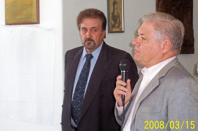 2008.03.15 - HOMENAJE Y. GALLIANO.  Presidentes Comunal y de la Asociación. Piamonte.