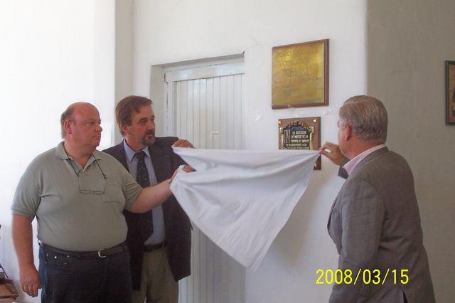 2008.03.15 - HOMENAJE Y. GALLIANO. Descurimiento Placa.  Zaeta, Bianciotto y De Lorenzi. Piamonte.