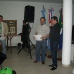 013 - Reconocimiento a los disertantes Juan Carlos Della Rossa y Gustavo Fernetti.