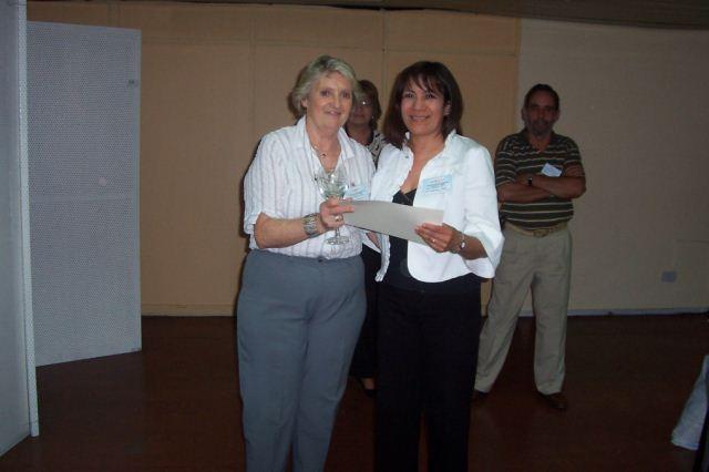 017 - Entrega de distinción a Julia Gramajo.