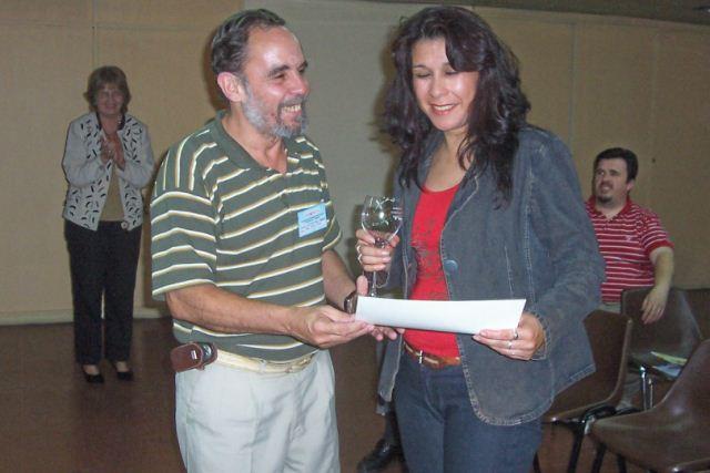 021 - Entrega de distinción a Silvia Muños.