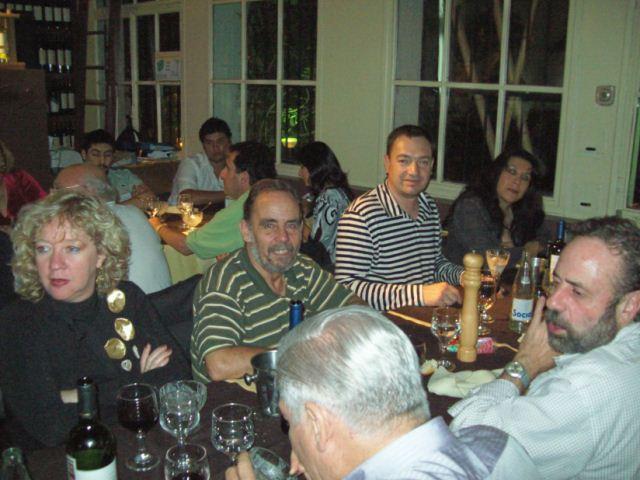 042 - Cena de camaradería.