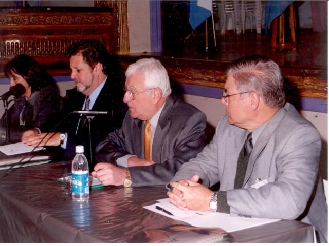 2000-09-02 - CONGRESO DE CULTURA DEL CENTRO OESTE SANTAFESINO. El Trébol. Storero (Sec. Cultura Nación), Rossi (Int. El Trébol) y De Lorenzi (Pte. Asociación).