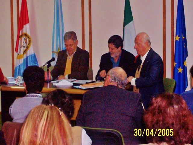 2005-04-30. CONSEJO DIRECTIVO. EL TREBOL. E. De Lorenzi, J. Rayón y D. Astegiano.