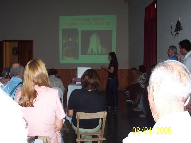 """2006-04-08. REGIONAL NORTE """"B"""". ALEJANDRA. Explicación sobre trabajos arqueológicos."""