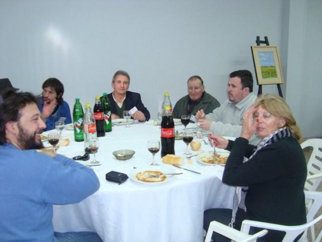 38 - Cena de camadería