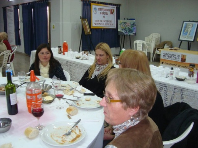 39 - Cena de camadería