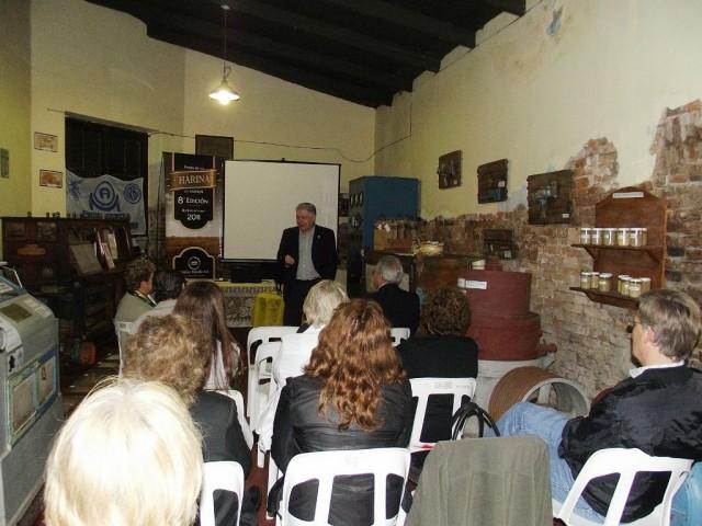 27-2011-10.14- M. I. DE TRIGO AL PAN. De Lorenzi