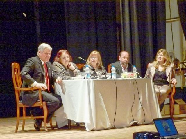 05-Apertura- Disertación Ministra González. Museos articuladores de la Cultura. De Lorenzi, Meiner, Magnin y Robledo