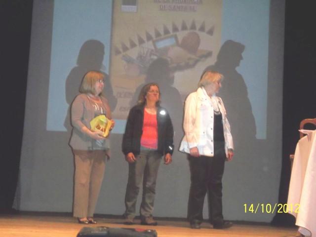 26 - Entrega de un Presente a la Intendenta Meiners. Dick y Salusso.