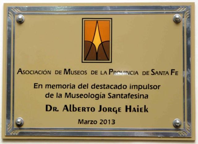 2013-03-16 - HOMENAJE DR. HAIEK.  PLACA RECORDATORIA MUSEO MEDICO STA. FE