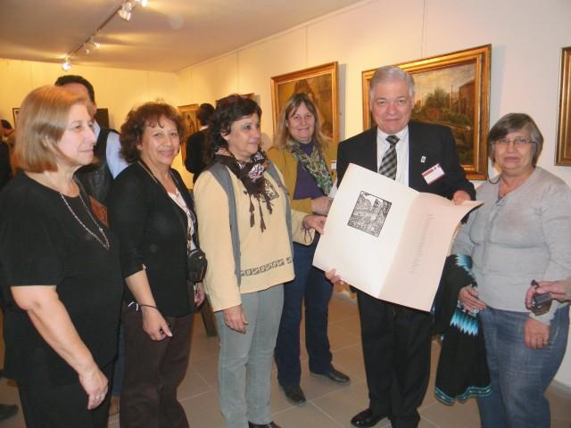 VISITA MUSEO COCHET. Entrega Presente